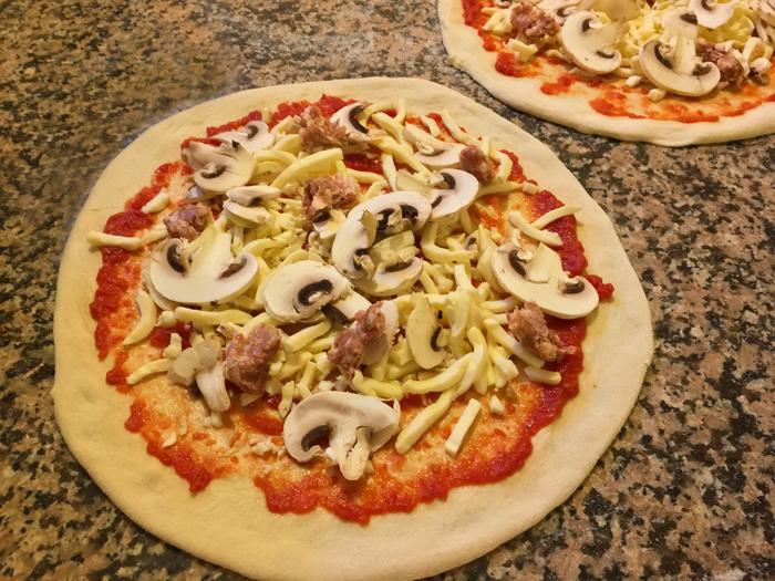 pizza-funghi-e-salsiccia